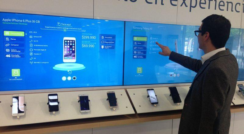 Zytronics touch screen technology being used in a Spanish phoneshop
