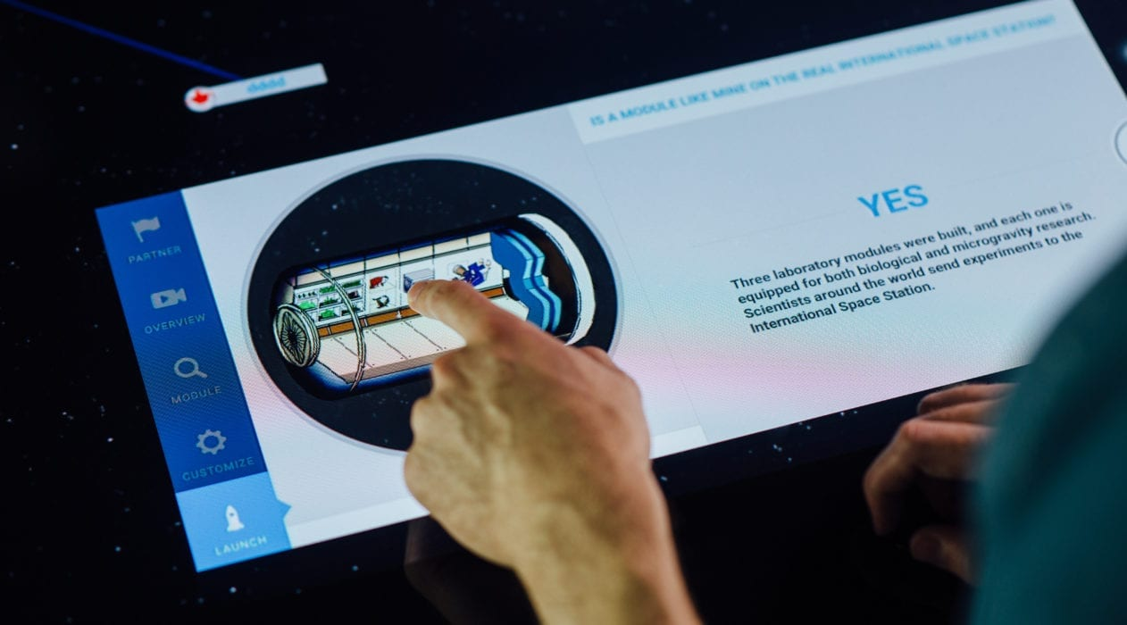 touchscreen Design It application for Smithsonian museum